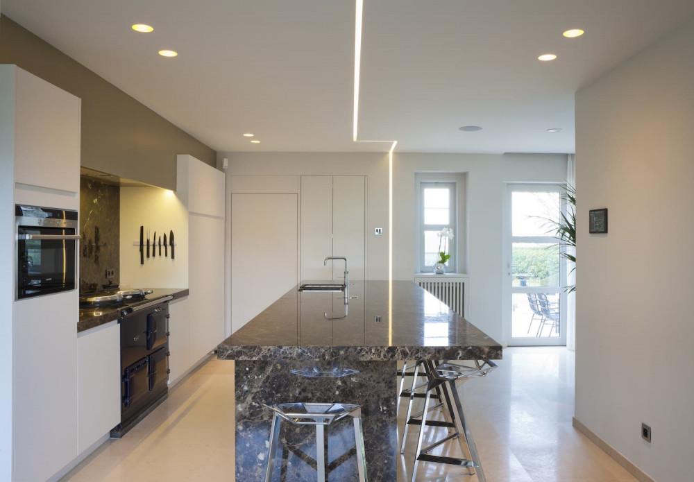 Keuken met ingebouwde lichtkoven